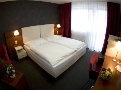 Srní hotel a depandance