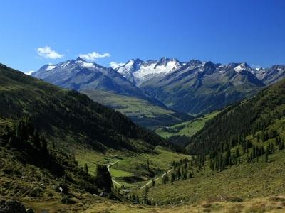 Čarovné pohoří Tennengebirge se zastávkou v malebném kraji Solné komory