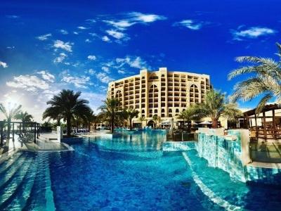 Dubaj - hotel Sheraton Creek & Towers, Ras Al Khaimah - hotel Doubletree By Hilton Resort & Spa