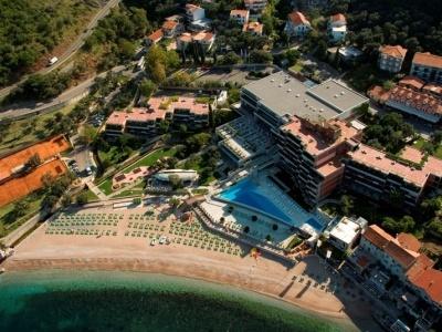 Maestral Resort Casino